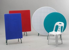 PLASTIC TABLE & CHAIR
